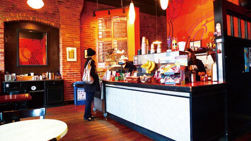 アーティスティックなインテリアのカフェもトレンド。