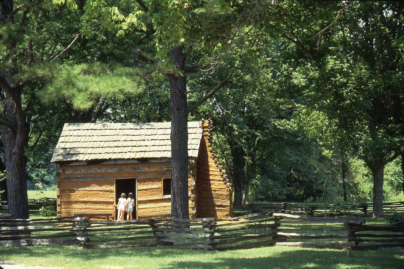 自然に囲まれた質素な家でリンカーンは少年時代を過ごした。