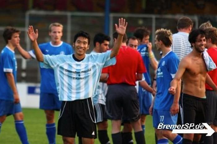 指さしドイツの愛読者 元サッカー選手、加藤敦也さんにインタビュー!
