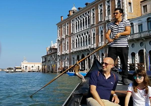 ベネチアは絵になる風景に満ちている