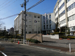 カルロス・ユーロ選手は東京・板橋の帝京高校に通いました